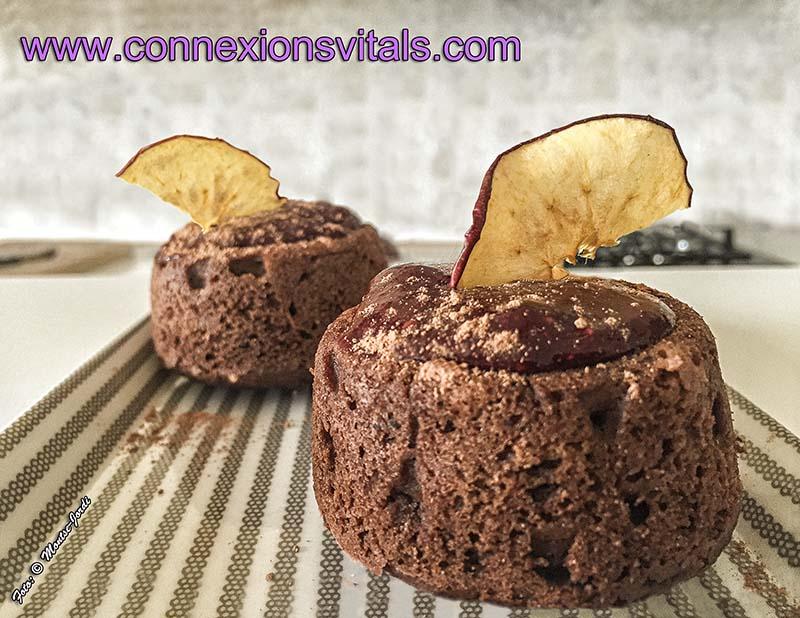 Brownie de castañas y azukis con frutos rojos