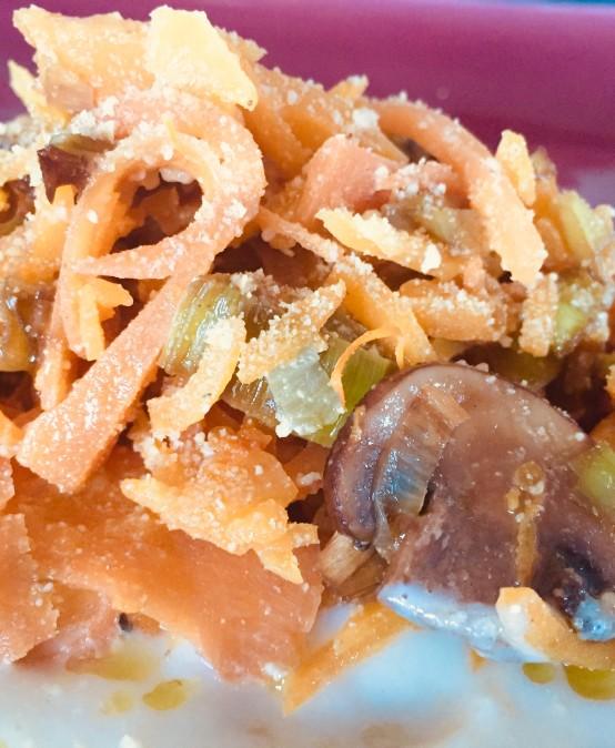 Espaguetis de verdura con bechamel de coliflor